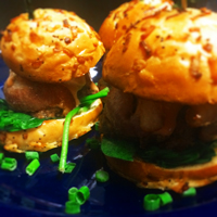 Mama Hunter's Meatloaf Sliders • homemade meatloaf wrapped in smokey bacon & served on hearty slider buns with garlicky spinach & fancy sauce